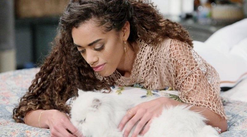 Bold and the Beautiful Zoe Buckingham (Kiara Barnes) - Harry the Cat
