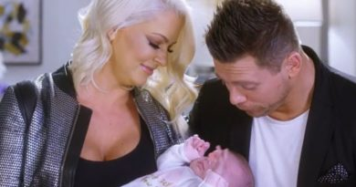 Miz & Mrs Maryse Mizanin - Mike Mizanin - Monroe Sky Mizanin - The Miz