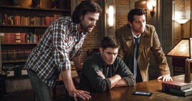 Supernatural: Dean Winchester (Jensen Ackles) - Sam Winchester (Jared Padelecki) - Castiel (Mischa Collins)