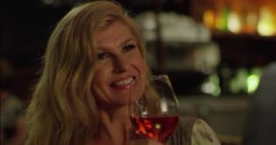 Dirty John: Connie Britton (Debra Newell)
