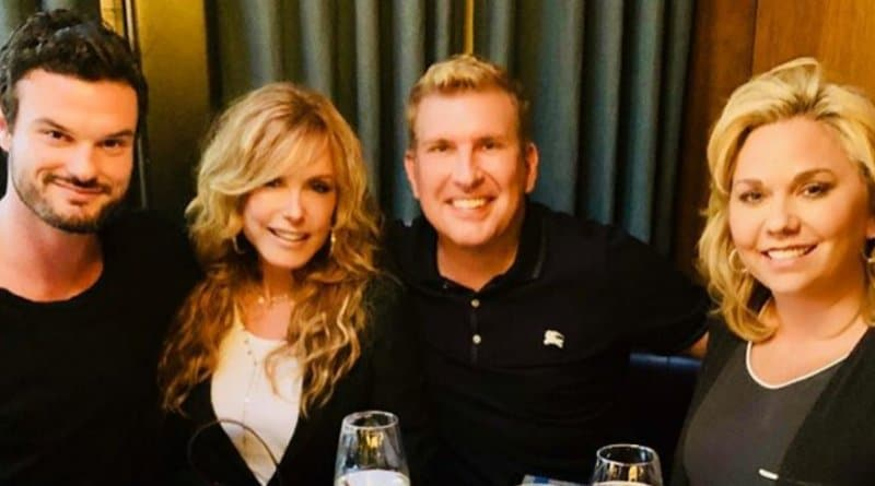 Young and the Restless: Tracey Bregman (Lauren Baldwin) - Todd Chrisley - Julie Chrisley