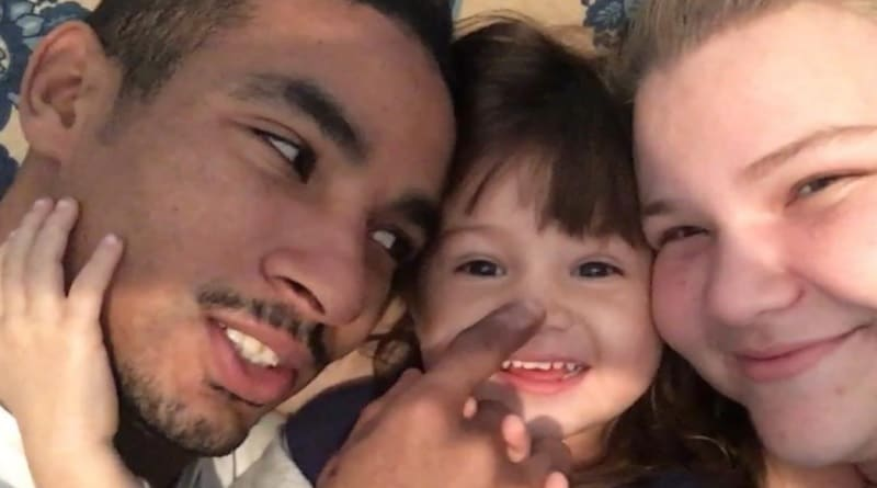 90 Day Fiance: Nicole Throwback Photos Stir Baby Fever Speculations