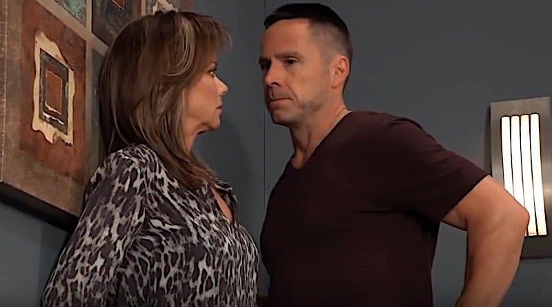 General Hospital Spoilers: Julian Jerome (William deVry) - Alexis Davis (Nancy Lee Grahn)