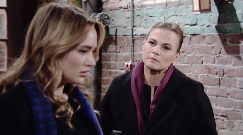 Young and the Restless Spoilers: Summer Newman (Hunter King) - Phyllis Abbott (Gina Tognoni)