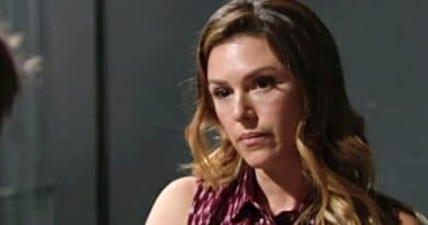 Young and the Restless: Chloe Mitchell (Elizabeth Hendrickson)