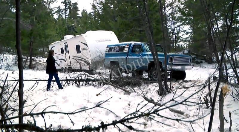 Alaskan Bush People: Trailer Home