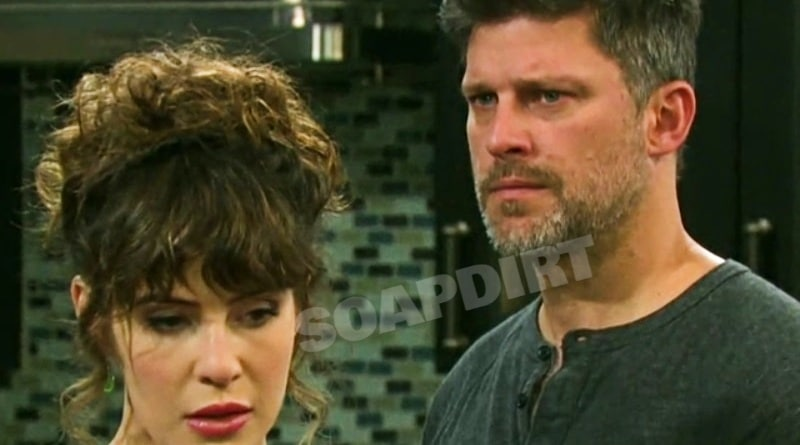 Days of Our Lives: Sarah Horton (Linsey Godfrey) - Eric Brady (Greg Vaughan)