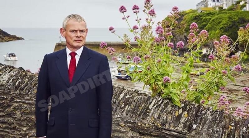 Doc Martin: Dr. Martin Ellingham (Martin Clunes)