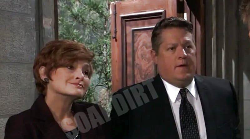 General Hospital: Max Giambetti (Derk Cheetwood) Diane Miller (Carolyn Hennesy)