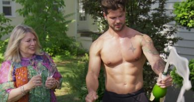 Married at First Sight: Zach Justice (Shirtless)