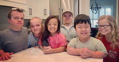7 Little Johnstons: Trent - Elizabeth - Emma - Jonah - Alex - Anna
