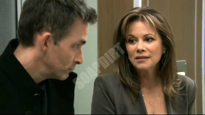 General Hospital: Alexis Davis (Nancy Lee Grahn) - Valentin Cassadine (James Patrick Stuart)