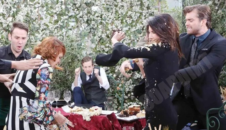 Bold and the Beautiful: Sally-Spectra (Courtney Hope) - Steffy Forrester (Jacqueline MacInnes Wood) - Thomas Forrester (Pierson Fode)