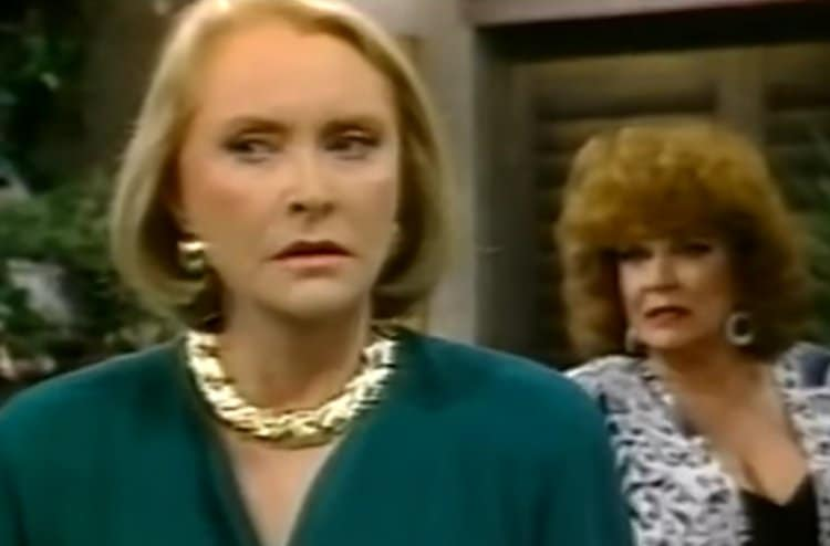 Bold and the Beautiful: Sally Spectra (Darlene Conley) - Stephanie Forrester (Susan Flannery)