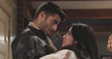 Young and the Restless: Arturo Rosales (Jason Canela) - Mia Rosales (Noemi Gonzalez)