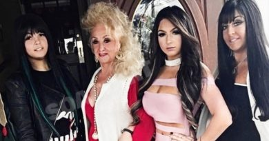 Unpolished: Foxy Grandma - Lexi Martone - Bria Martone - Jennifer Martone