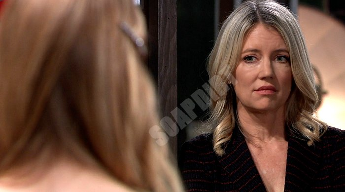 General Hospital: Nina Reeves (Cynthia Watros)