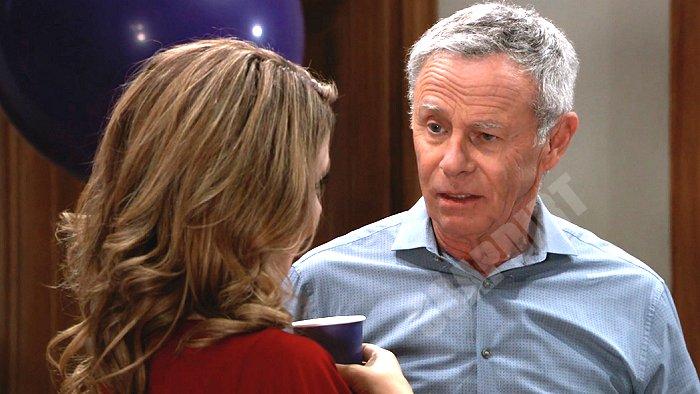 General Hospital Spoilers: Robert Scorpio (Tristan Rogers) - Olivia Falconeri (Lisa LoCicero)