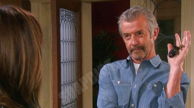 Days of our Lives Spoilers: Clyde Weston (James Read) - Kate Roberts (Lauren Koslow)