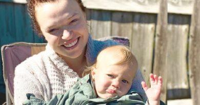 Sister Wives: Maddie Brown Brush - Evie Brush