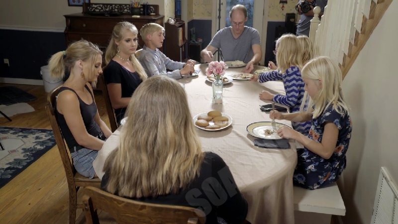 Welcome to Plathville: Family Dinner