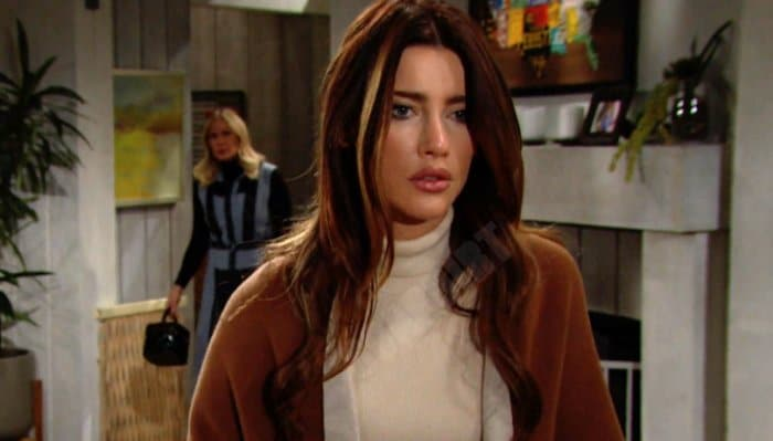 The Bold And The Beautiful: Steffy Forrester (Jacqueline MacInnes Wood) - Brooke Logan (Katherine Kelly Lang)