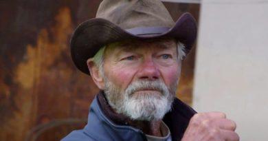 Hoarders: Dale Calhoun