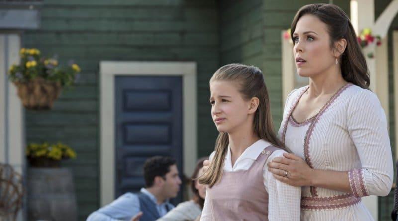 When Calls The Heart: Elizabeth Thornton - Erin Krakow - Allie Grant - Jaeda Lily Miller