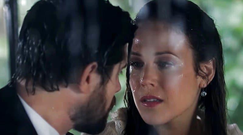 When Calls The Heart: Elizabeth Thornton (Erin Krakow) - Lucas Bouchard (Chris McNally)