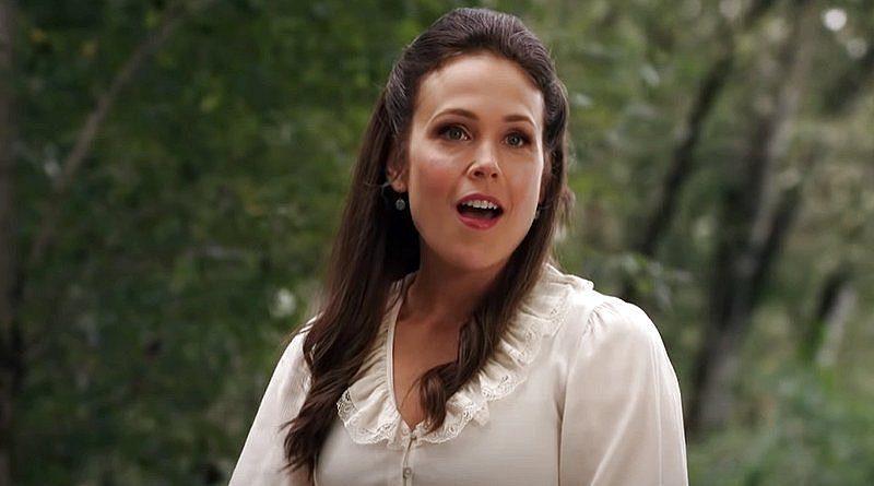 When Calls The Heart: Elizabeth Thornton (Erin Krakow)