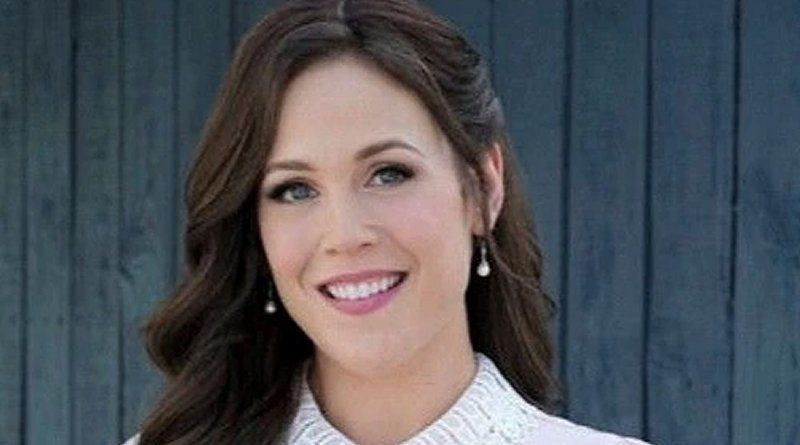 When Calls The Heart: Elizabeth Thornton (Erin Krakow)